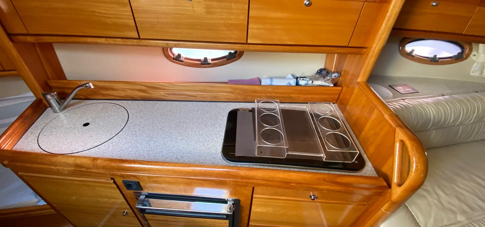 El Masnou,Barcelona,España,1 Dormitorio Habitaciones,1 BañoLavabos,Barco a motor,2085