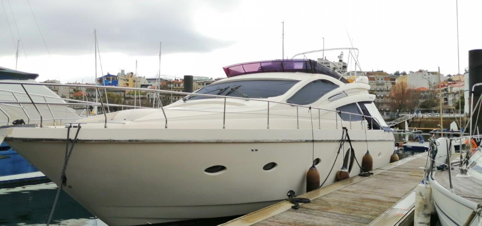 Vigo,Pontevedra,España,3 LavabosLavabos,Barco a motor,2096